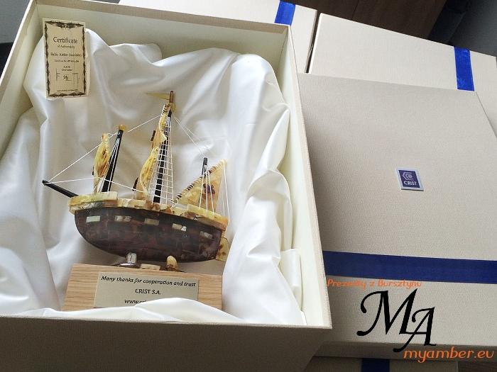 crist prezenty z bursztynu stocznia bursztyn statki zaglowce PZM alkor gdynia myamber